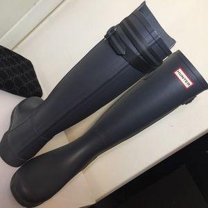 Hunter grey boots